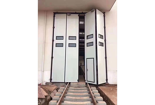电动折叠门